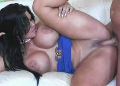 Cuban slut Angelina takes some dick